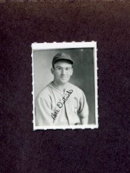 1935-1937 George Burke Photo Stamp BILL DIETRICH Philadelphia Athletics